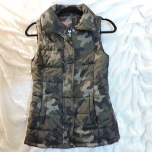 Arizona Jean Co Camo Puffer Vest